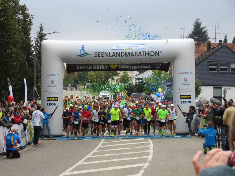 Mehrere Tausend Läufer starten jährlich beim Seenlandmarathon!